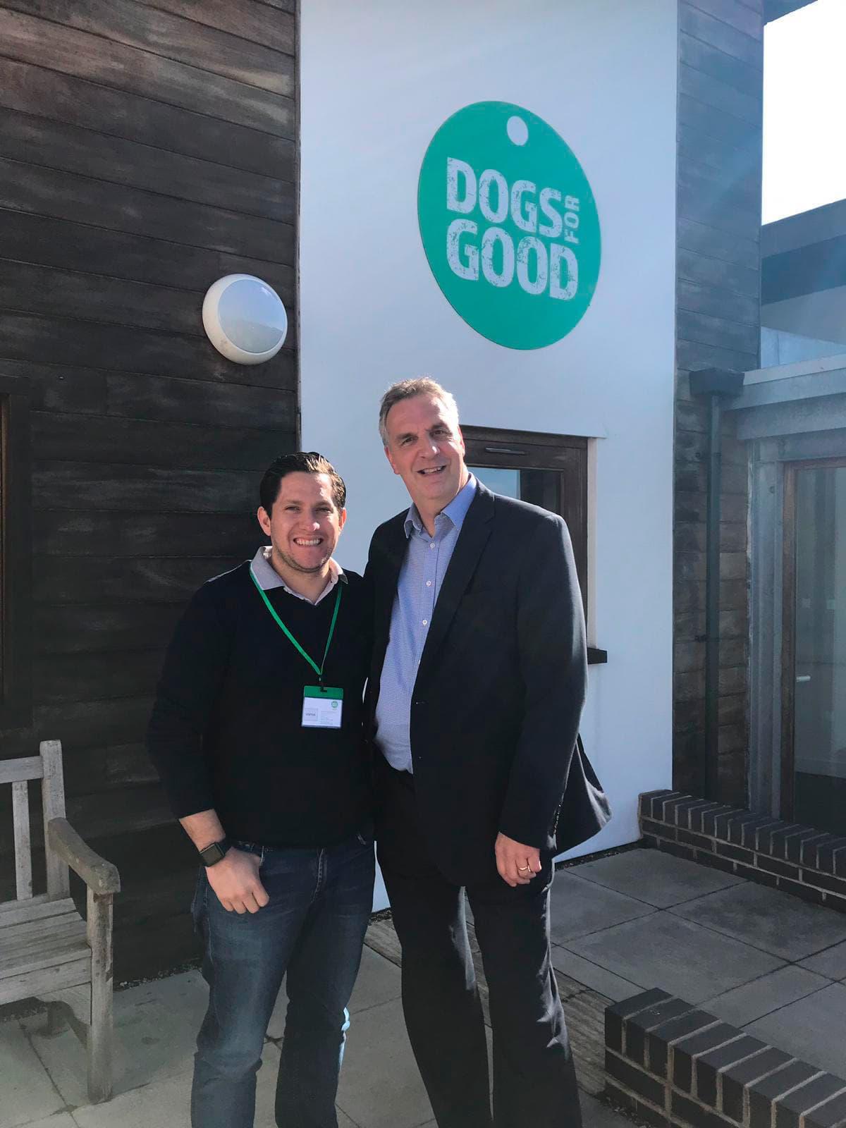 """Una visita a """"Dogs for good"""""""