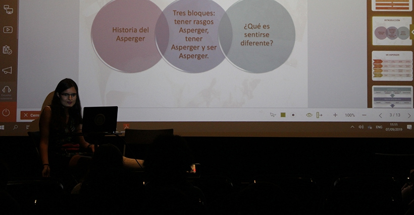 Ponencia de Elsa Cortés sobre inflexibilidad e hipersensibilidad sensorial